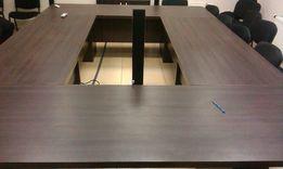Продам стол для переговоров 300х250 см.бизнес класса на 25 человек.