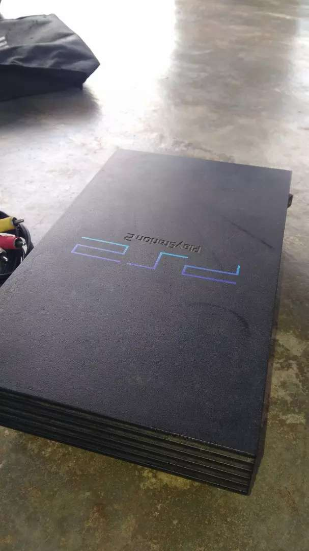 Ps2 console and cables 0