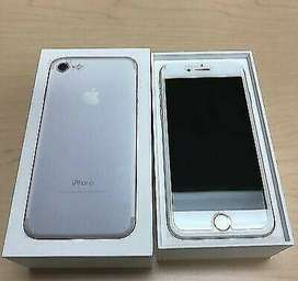 Apple iPhone 7 silver 64GB TO SELL OR SWOP