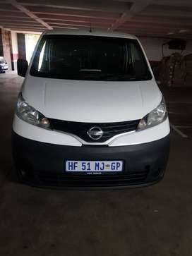 Selling Nissan NV200