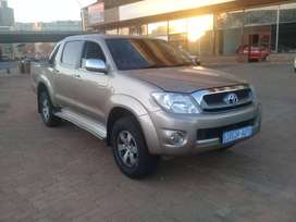 Toyota Hilux Double Cab 2009 model V6 for sale