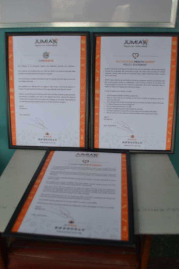 CUSTOMIZED POLICY FRAMES 0
