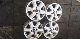 """A set of Ford mags 14"""" fit on Ford Fiesta and Ford bantam"""