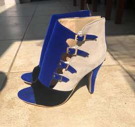 Classy Ladies Shoes - Blue & Black Heels with Zipper Back