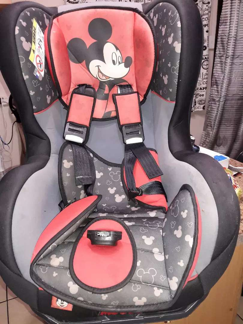 BABY CAR SEAT FOR SALE. 0