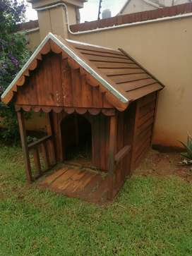 Wooden Dog House /Kennel
