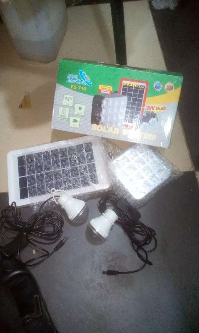 SOLAR kit full system 2 bulbs and phone charger 0