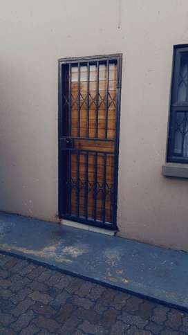 Room to rent for R 1 300.00