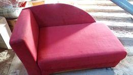 Czerwone łóżko jednoosobowe rozkładane