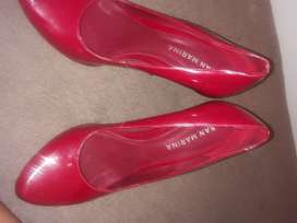 These red San Marina heels are a super comfy size 7!