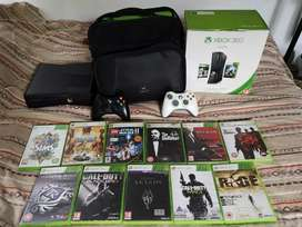 Xbox 360 250gb + 2 controllers + 12 games