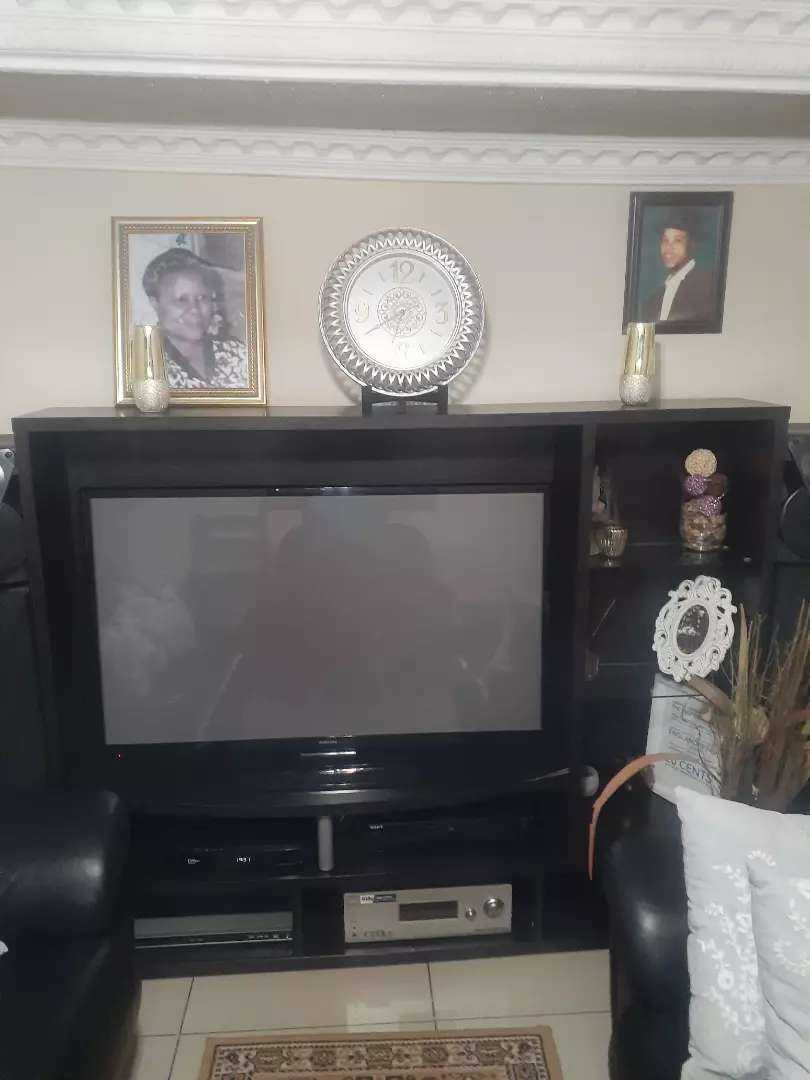 55 inch Samsung TV with stand