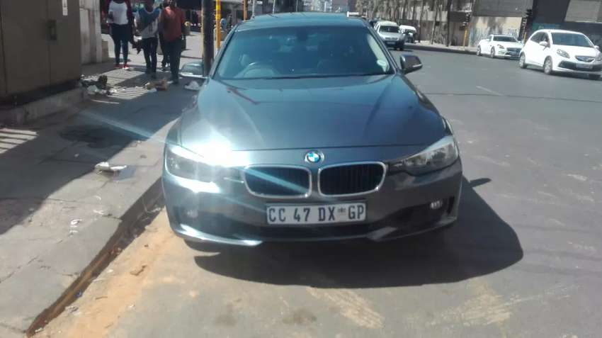 Used Bmw 3series 320I with sunny ruff 0