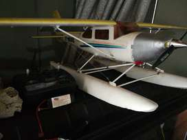 Chesna XT Model woth 2 lipo batries good working order with remote