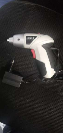 Cordless screw driver with charger R250 new