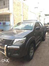 Toyota Hilux S/cab local 0