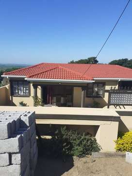 2 bedroom with single garage, open space kitchen and lounge
