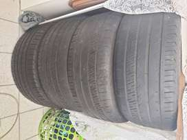 4 x 225/40/18 Run Flat tires for sale