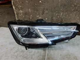 Audi A4 2019 complete headlight for sale