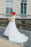 ДУЖЕ ТЕРМІНОВО! Весільне плаття 4000 грн , шлейф, 3D квіти, бісер