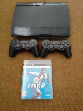 Ps3 super slim 500gb with 2 controllers and FIFA19
