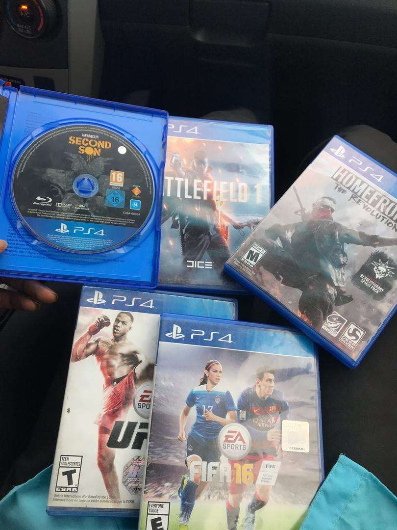 Ps4 games all for 300 cedis 0