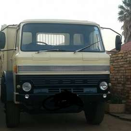Ford D1515