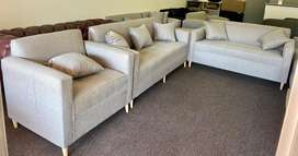 Brand new 3 pce lounge suite