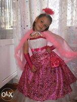 Продаю детское платья с камплектом новое зделано на заказ