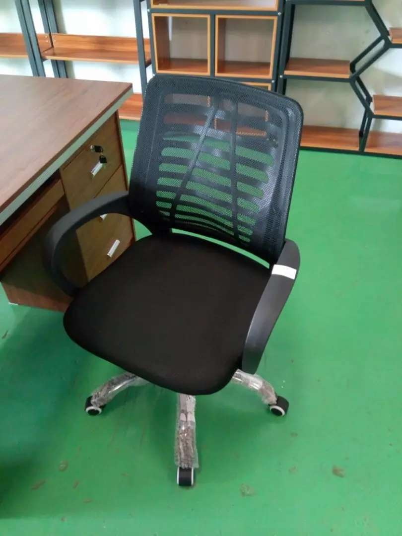 Office chair 0
