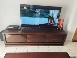 TV stand from UFO still in a perfect condition. Bought it in 2018