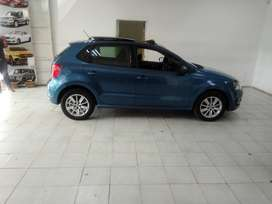 BLUE VW POLO 6 TSI HATCH BACK