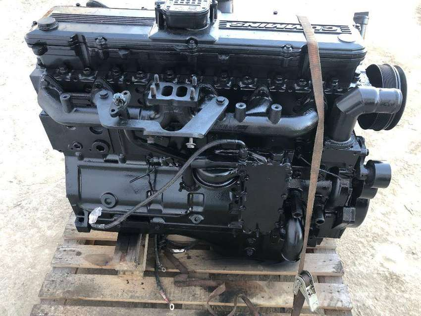 Case IH 335 Tractor 4X4 Engine Stripping for Spares 0