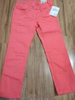 Sprzedam nowe spodnie w r. 104 C&A