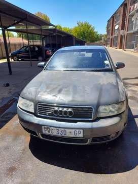 Audi A4 b7 everything is there only the engine it strip
