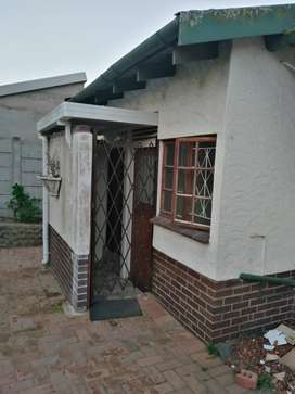A beautiful 1 bedroom granny flat to rent in yellow wood park