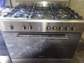 Defy 90cm metallic silver 5 burner Gas stove and electric oven - 2012