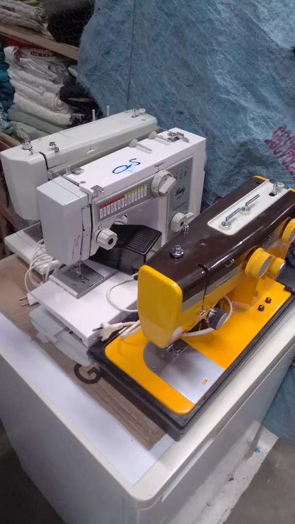 Electrical and manual sewing machine 0