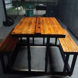4seater steel frame table with wood top and seats. Newly build