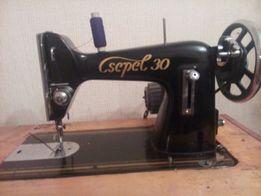 Продається швейна машинка