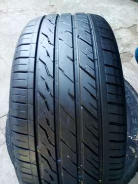 225/35/19 Landsail tyre for sell