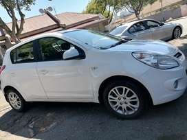 HYUNDAI I20 WITH SPARE KEYS IN EXCELLENT CONDITION