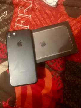 Iphone 7 charcoal black in excellent condtion
