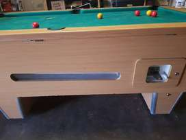 Union Billards Pool table