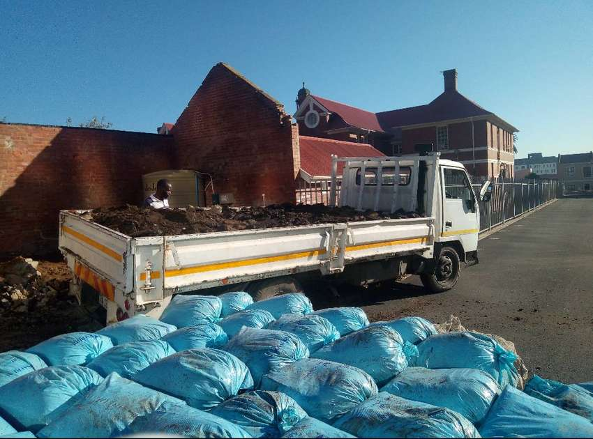 4 Tons trucks and 1 tons bakkies for Removals 0