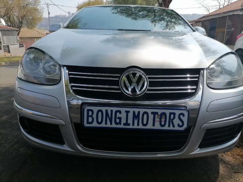 JETTA 5 WITH SUN ROOF 2.0 FSI WITH LEATHER INTERIOR DESIGN