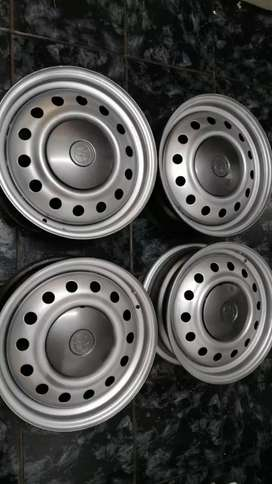 15inch Toyota Kentucky rounder Tazz runx rims for sale