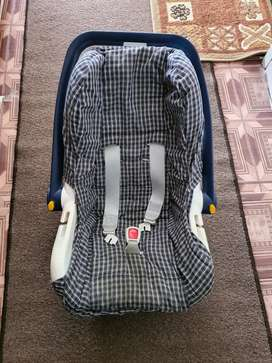 Car Seat And Bouncer 2 in 1