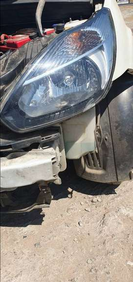 2012 Ford figo headlight for sale