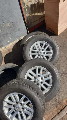 Toyota fortuner mags or bakkie D4D Tyre size 265/65/17